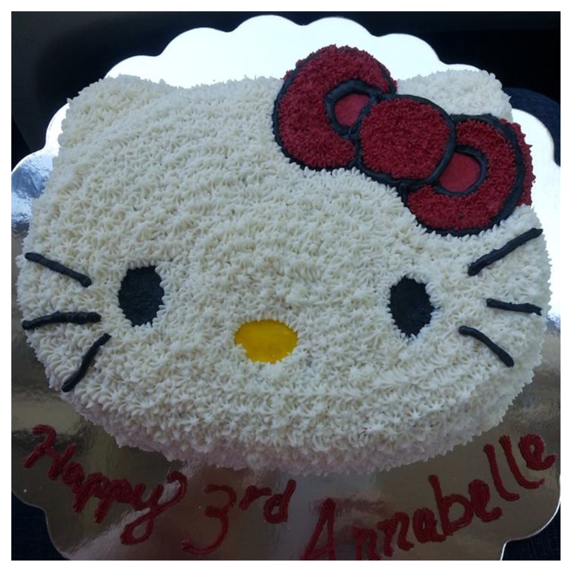 This was my sweet friends little girls cake, you have to love little kitty if you are 3!!