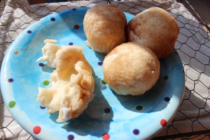 Balloon biscuits/ resurrection rolls